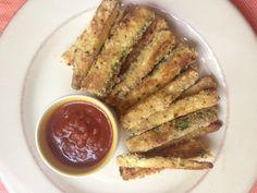 gluten-free-zucchini-fries-with-marinara-homemakerchic.com