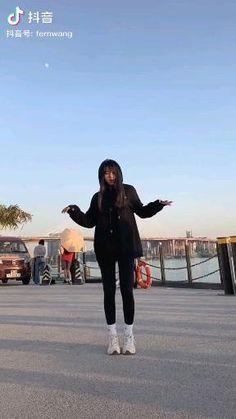 Girl Dance Video, Hip Hop Dance Videos, Dance Music Videos, Cool Music Videos, Dance Choreography Videos, Steps Dance, Cool Dance Moves, Dance Tips, Some Funny Videos