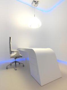 Minimalist office design - Spain