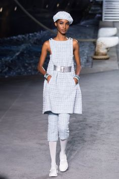 Chanel took its 2019 cruise collection very seriously this year. Chanel Resort, Chanel Cruise, Fashion News, Fashion Beauty, Womens Fashion, Cruise Collection, Tweed Dress, Creative Director, Lace Skirt