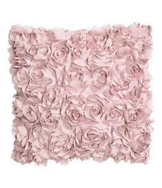 Light pink. Cushion cover in satin with decorative chiffon flowers. Concealed zip.