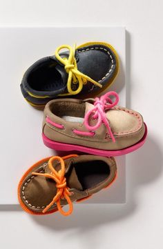 omg - these baby shoes are too cute. Sperry Top-Sider® 'Authentic Original' Crib Shoe (Baby) (Online Only) Baby Kind, My Baby Girl, Baby Boys, Carters Baby, Pink Girl, Fashion Kids, Fashion Shoes, Fashion Accessories, Baby Sperrys
