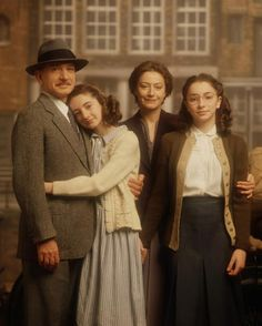 Anne Frank: The Whole Story (Otto Frank, Anne Frank, Edith Frank and Margot Frank)
