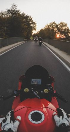 Tips And Advice When Buying Your Next Auto Moto Wallpapers, Gp Moto, Bike Photoshoot, Motorcycle Wallpaper, Motorcycle Photography, Ferrari Laferrari, Motorcycle Art, Dirtbikes, Super Bikes