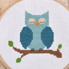 Owl Cross Stitch Pattern, Counted Cross Stitch. My mom made one of these for me and I love it so!