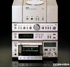 Toshiba : mini hi-fi system vintage vinyl stereo late 70's early 80's