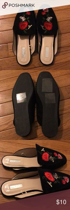 Primark roses mules/slippers Never worn, tags are long gone though US SIZE: 8 UK: 6 #topshop #primark Primark Shoes Mules & Clogs