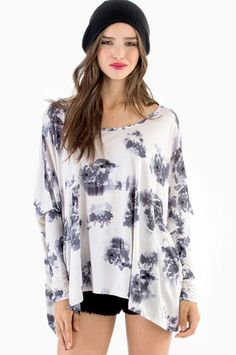 Rosetta Long Sleeve Top $50 http://www.tobi.com/product/51848-tobi-rosetta-long-sleeve-top?color_id=70281&utm_medium=email&utm_source=new&utm_campaign=2013-10-28