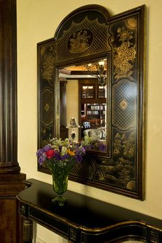 Asian Furniture, Dream Furniture, Chinese Room Divider, Oriental Decor, Tanjore Painting, Eclectic Living Room, Through The Looking Glass, Chinoiserie, Decorating Your Home