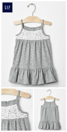 Now it may seem current fad to get recovered will be the layered camis gown look. Little Girl Dresses, Girls Dresses, Chic Outfits, Kids Outfits, Kids Blouse Designs, Cotton Frocks, Kids Frocks, Skirt Fashion, Baby Dress