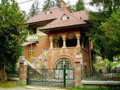 Villa Florica Socolescu, Sinaia, Romania built in 1925 by Toma Romanian architect Revival Architecture, Art And Architecture, Little Cottages, Little Paris, Bucharest Romania, Unusual Homes, Earthship, The Beautiful Country, Jpg