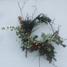 white oak flower co. Natural Christmas, Noel Christmas, All Things Christmas, White Christmas, Holiday Wreaths, Christmas Decorations, Holiday Decor, Flower Studio, Deco Floral