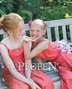 With smiles like these coral Jr Bridesmaids, who could have a bad day? . . . 👗Flower Girl Dress Style 423 #pegeen #pegeendotcom #flowergirldress #tulleflowergirldress #kidscouture #princessdresses #coraldress #weddings #jrbridesmaids #jewishwedding #girlsdresses #chupah #kidscouture #princessdresses #weddinginspiration #weddingphotography #weddingday #juniorbridesmaids #littlegirlsdresses #littleprincess #bestflowergirlever #tulledress #juniordress #juniorbridesmaid #juniorbridesmaiddress