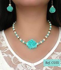 Set de Collar en Rosas y Perlas www.brownikaaccesorios.com #collares #accesorios