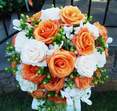 burnt orange flower bouquets for a fall wedding