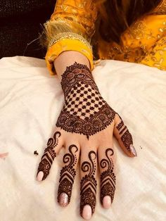 Mehndi is something that every girl want. Arabic mehndi design is another beautiful mehndi design. We will show Arabic Mehndi Designs. Peacock Mehndi Designs, Simple Arabic Mehndi Designs, Henna Art Designs, Indian Mehndi Designs, Stylish Mehndi Designs, Wedding Mehndi Designs, Mehndi Design Pictures, Latest Mehndi Designs, Mahendi Designs Simple