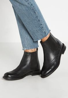 8 Best Shoes images | Shoes, Fashion, Boots