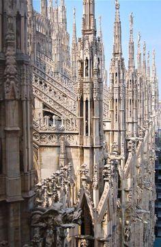 Milan Cathedral (Duomo di Milano) in Milan, Italy. Detail Architecture, Baroque Architecture, Beautiful Architecture, Beautiful Buildings, Beautiful Places, Ancient Architecture, Milan Duomo, Milan Cathedral, Empire Romain