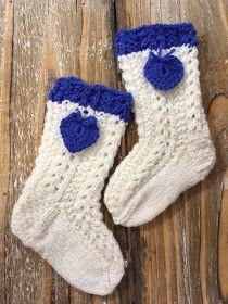 Kotoisissa kutimissa: Vauvansukat Suomi 100 -keräykseen ja lanka-arvonta Knitting Socks, Baby Knitting, Knit Socks, Mittens, Christmas Stockings, The 100, Barn, Holiday Decor, Babies