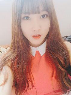 GFRIEND Yuju Updates Fans With A Beautiful Selca ~ Daily K Pop News