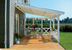terrassenüberdachung stabile Holzbalken weiß