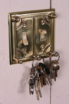 Steampunk light switch, this is a good solution for lost keys. Casa Steampunk, Steampunk Home Decor, Steampunk Furniture, Steampunk Design, Victorian Steampunk, Steampunk Fashion, Steampunk Bathroom, Steampunk Images, Steampunk Theme