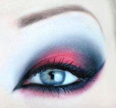WOW! Das nennen wir mal ein Augen Make-up!
