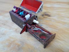 Medieval sewing coffer by brianbrownarmoury --I will incorporate many of the items, but the unit is too over-the-top for my taste. Sewing Kits, Sewing Tools, Medieval Embroidery, Medieval Furniture, Landsknecht, Coffer, Sewing Accessories, Middle Ages, Pin Cushions