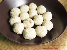 Easy Rava Laddu (Without Milk and Coconut)