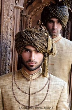 Beige kurta with gold lining and a contrasting turban Gorgeous Men, Beautiful People, Indian Men Fashion, Arab Men, Groom Wear, Groom Outfit, Indian Man, Brunei, Traditional Dresses