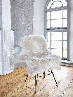 Part of our new Nordic sheepskin collection, our beautiful long linen wool rugs are made from the most luxuriously soft natural sheepskin.