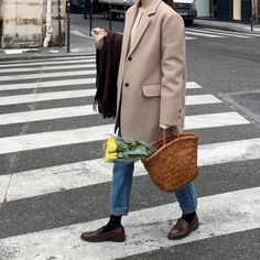 Korean Fashion Trends you can Steal – Designer Fashion Tips Winter Fashion Outfits, Fall Winter Outfits, Autumn Winter Fashion, Fasion, Mode Outfits, Casual Outfits, Mode Dope, Loafers Outfit, Parisienne Chic