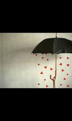 Su lluvia. #umbrella #hearts
