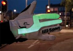 Cyclist Signal Gloves - For Urban Cycling Safety, These Gloves Keep Motorists Informed of Turns (GALLERY)