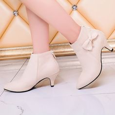 US 8-10 Pearl White Alligator Skin Texture Strappy Platform Bootie Heels