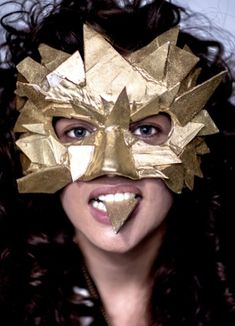 Vogue Daily — Flour Shop edible chocolate mask worn by Amirah Kassem Mascaras Halloween, Halloween Masks, Halloween Diy, Halloween Face Makeup, Angel Haze, Festival Costumes, Golden Eyes, Vogue, Venetian Masks
