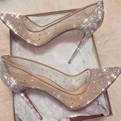 wedding shoes pink Ideas for wedding shoes sandals heels brides sparkle Frauen In High Heels, Prom Heels, Wedding High Heels, Bride Shoes, Hot Shoes, Lace Shoes, Shoes Sandals, Sandals Outfit, Dress Shoes