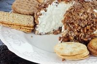 Garlic and Feta Cheeseball