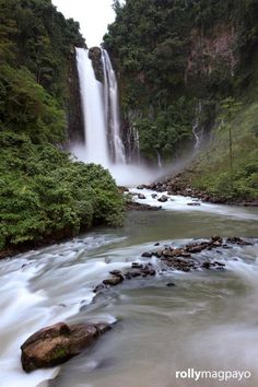 Maria Cristina Falls in  Iligan City, Lanao del Norte, Philippines. Another fab photo by Rolly Magpayo