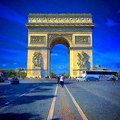 #pisa#raki#efes#toskana#turkiye#fenerbahce#besiktas#milano#france#paris#followme#instagram#follow#istanbul#italy#venezia#galatasaray#germany#rimini#floransa#roma#spello#amazing#iphone#switzerland#roma#monaco#montecarlo#bozcaada#izmir#arcdetriomphe by blentdemir