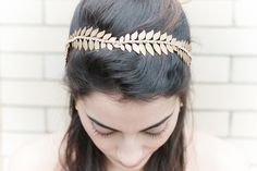 Tiara dourada para noivas - Gold leaf bridal headpiece | Bonphotage photography