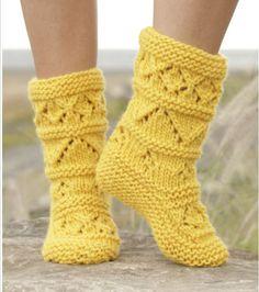 gestrickte Hausschuhe / Socken / Stiefel
