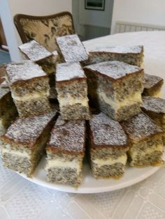 Nálunk akkora kedvenc lett, hogy azt el se tudom mondani, megéri kipróbálni, tényleg csodás íze van! Poppy Seed Cookies, Poppy Cake, Slovak Recipes, Ham, Nom Nom, Food And Drink, Sweets, Baking, Healthy