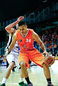 Southland Sharks' Tai Wesley, in the game against Manawatu Jets at Stadium Southland.  June 07, 2014.   Sharks won 91-83.
