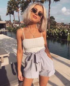 Sommer Look - Fashion Outfits Fashion Kids, 90s Fashion, Fashion Outfits, Street Style Vintage, Street Style Women, Cute Summer Outfits, Cool Outfits, Summer Shorts, Looks Com Short