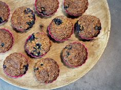 Borůvkové muffiny z ovesných vloček – Snědeno.cz Cookies, Diet, Crack Crackers, Biscuits, Cookie Recipes, Cookie, Biscuit