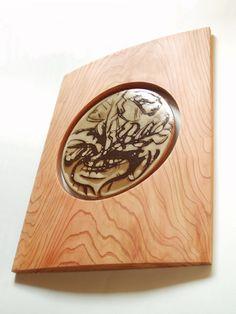 陶板額、陶芸家の依頼で制作したスギの額。(2007.12)    (C)FQ DESIGN/OKUDA