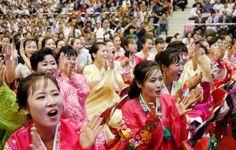 プロレス大会で盛り上がる、チマ・チョゴリ姿の女性たち=30日、平壌(共同) ▼30Aug2014共同通信 日朝プロレスに市民歓声 金正恩氏は不在、会場満席 http://www.47news.jp/CN/201408/CN2014083001001749.html #Pyongyang