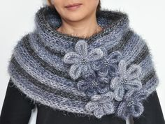 Floral Stripe - Double Side Knitted Wrap/Neckwamer Wz Floral Applique