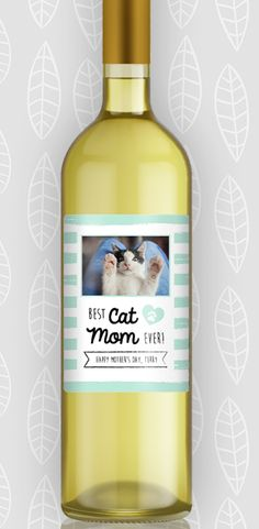 We have to recognize all the cat moms out there on mother's day too! Unique Mothers Day Gifts, Mother Gifts, Cat Lover Gifts, Cat Lovers, Wine Mom, Wine Label, Wine Gifts, Creative Gifts, Cool Cats